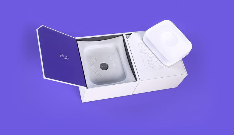Uneka designed structurally intelligent, aesthetically pleasing packaging for both the individual products and comprehensive SmartThings kits for Samsung.
