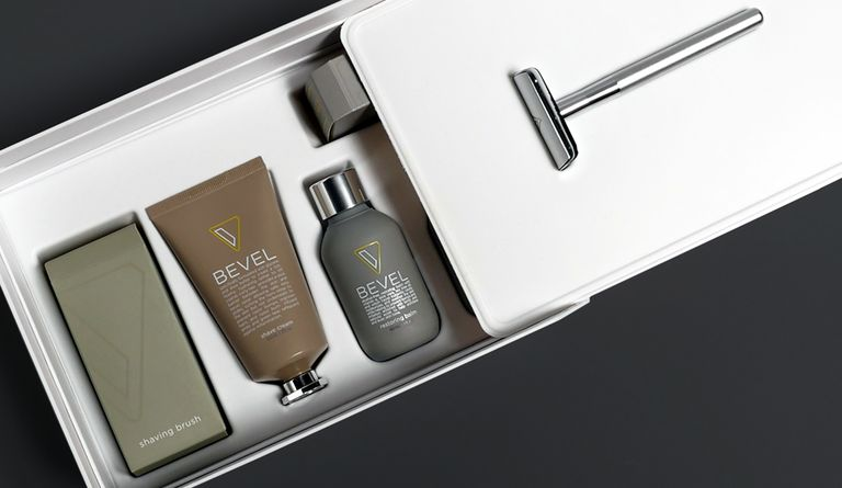 When Bevel was ready to expand their sales channels into the retail environment, they partnered with Uneka to design an all-in-one packaging solution.